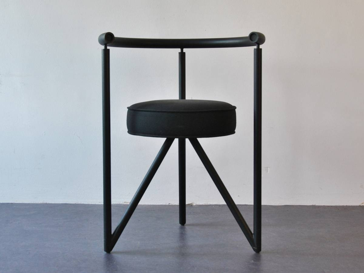 set of 4 39 miss dorn 39 dining chairs by philippe starck. Black Bedroom Furniture Sets. Home Design Ideas