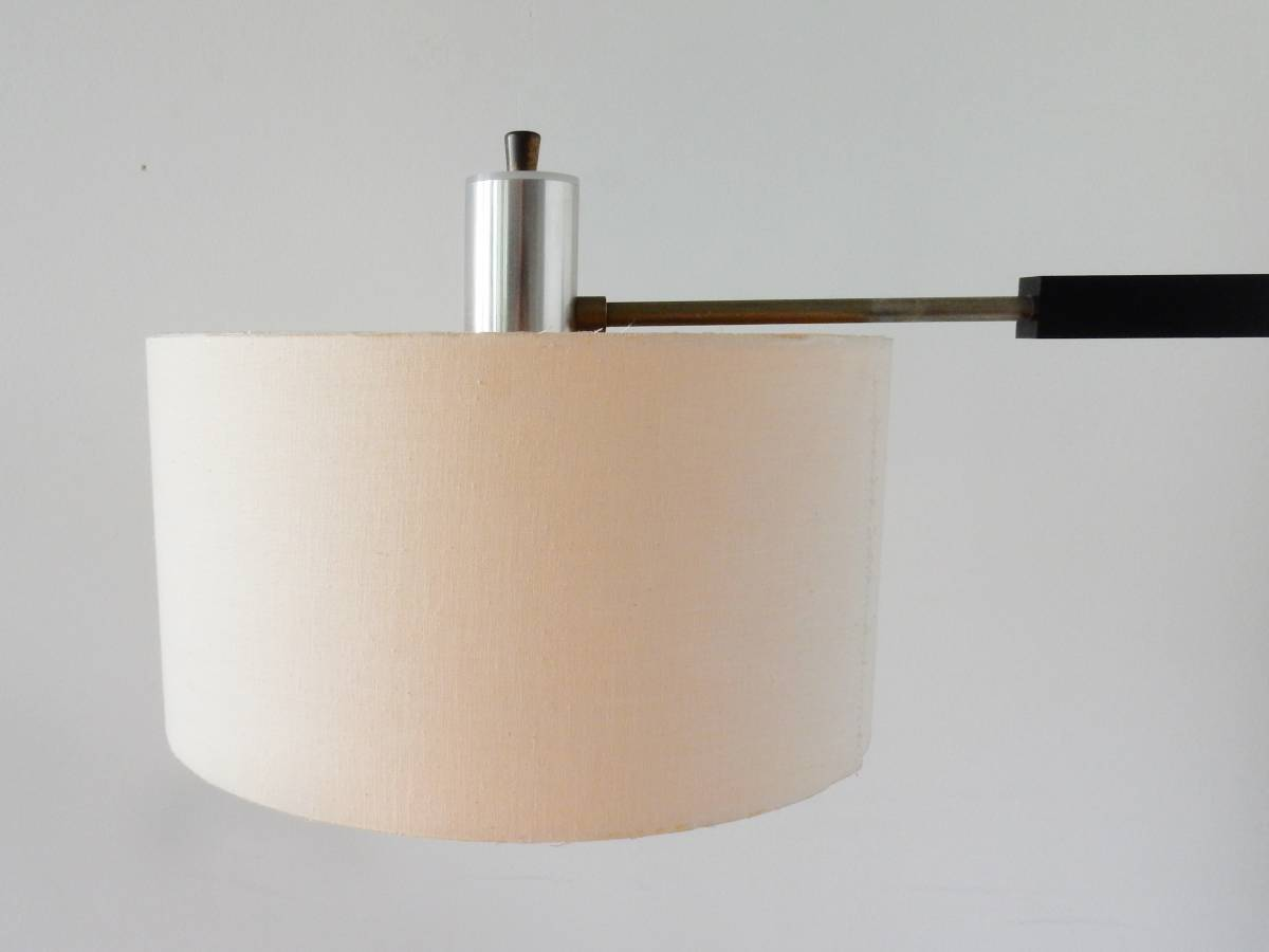 Wall Mounted Extendable Lamp : Vintage swiveling extendable wall light. 1960's - NOVAC Vintage