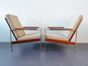R parry chairs 03